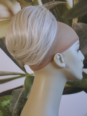 "LIGHT BLONDE "" BEEHIVE "" BUN  #613"